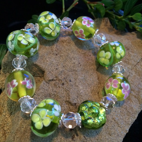 Green / Pink murano glass stretch bracelet