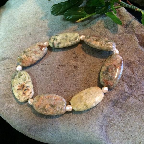 Green / Pink Unakite Jasper oval stretch bracelet