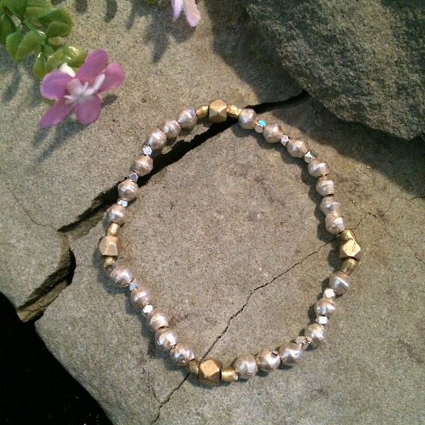 Silver and gold metallic bead stretch bracelet