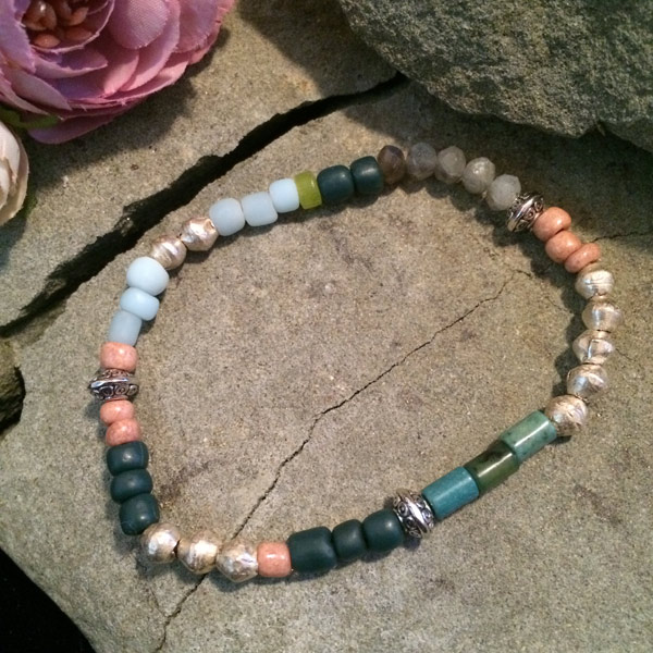 Multiple gemstone stretch bracelet with Turquoise, Magnesite, Labradorite, metallic