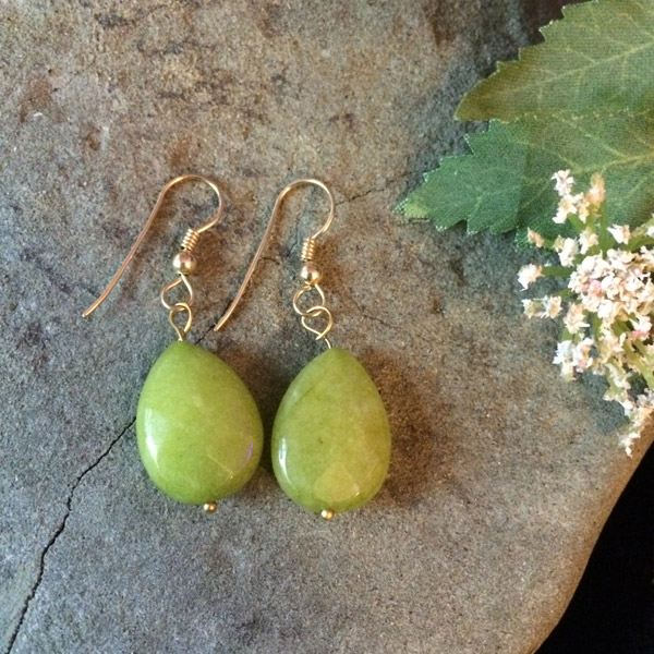 Green Olivine flat teardrop earrings