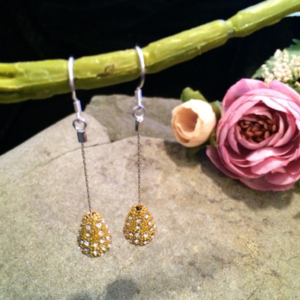 Gold sparkle teardrop earrings