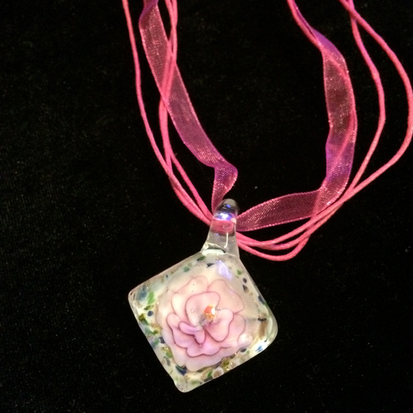 Inlaid cloth rose pendant with pink cloth band and clasp
