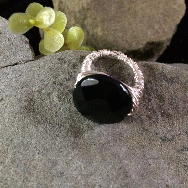Black Chinese Round Crystal Ring