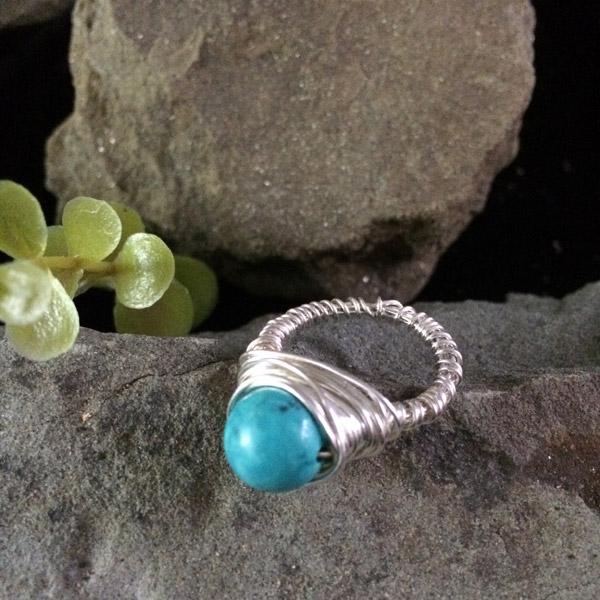 round turquoise gemstone ring