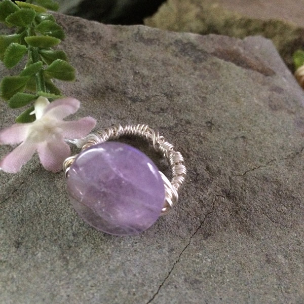 Purple Amethyst oval gemstone ring