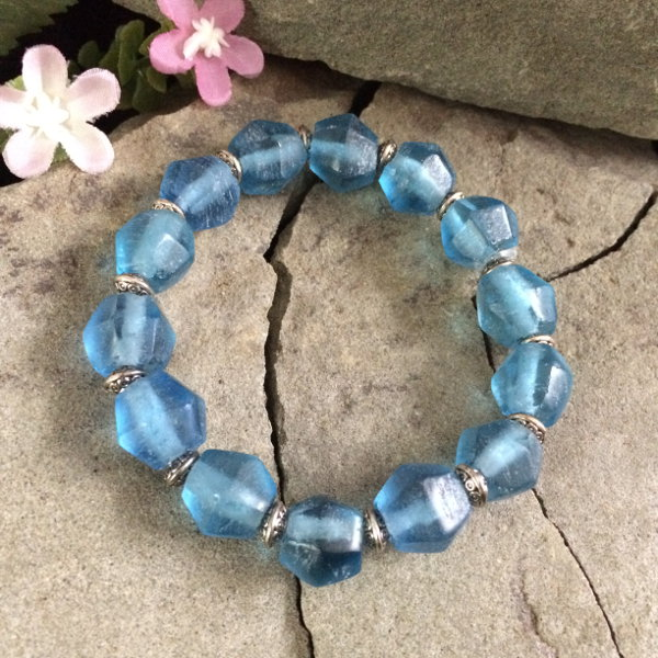 Deep Blue glass with metal stretch bracelet