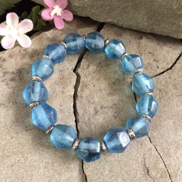 Deep Blue glass with metal stretch bracelet