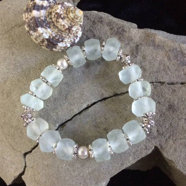 pale-blue-ice-glass-bracelet