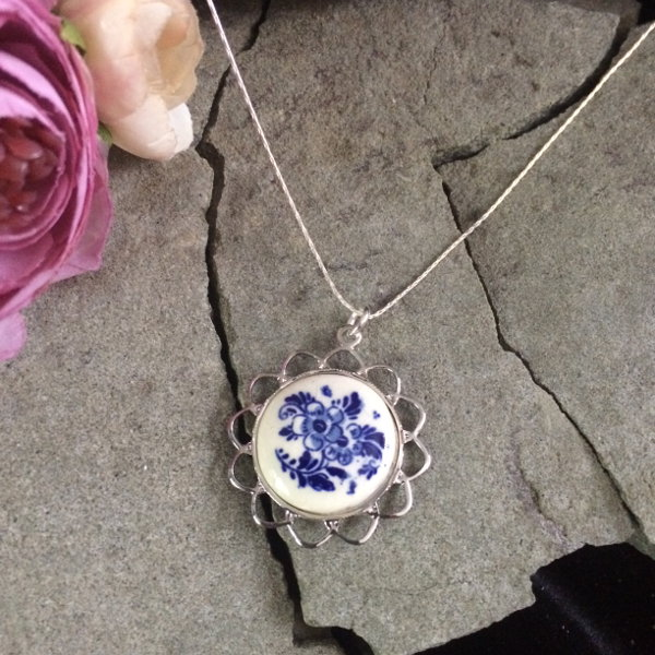 Dutch Porcelain pendant necklace with sterling silver chain